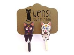 Luna et Artémis (Sailor Moon inspiré s'accrochent Earring) on Etsy, 6,03 €