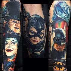Tatuajes de Batman retro by Nikko Hurtado Comic Tattoo, 4 Tattoo, Batman Tattoo, Avengers Tattoo, Tattoo Skin, Great Tattoos, Beautiful Tattoos, Body Art Tattoos, Awesome Tattoos
