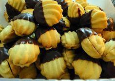 kudy-kam...: Linecké na dva způsoby Italian Cookie Recipes, Italian Cookies, Christmas Baking, Christmas Cookies, Christmas Recipes, Home Recipes, Baking Recipes, Czech Recipes, Ethnic Recipes