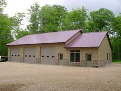 Pole buildings with living quarters custom shop with for Custom garages with living quarters
