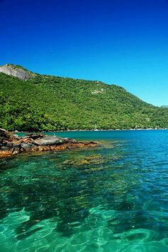 - very nice stuff - share it -Lagoa Azul - Ilha Grande Places Around The World, Travel Around The World, Dream Vacations, Vacation Spots, Places To Travel, Places To See, Voyager C'est Vivre, Brazil Travel, South America Travel