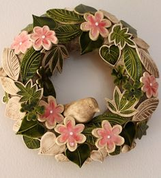 Procházka zahradou 27. Ceramic Pottery, Ceramic Art, Air Dry Clay, Clay Projects, Patch, Door Wreaths, Burlap Wreath, Floral Wreath, Workshop