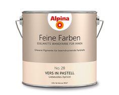 """Alpina Feine Farben """"Vers in Pastell"""":  Diese pudrige Apricot-Nuance spielt sich nicht auf. Viel lieber zeigt sie sich klassisch von ihrer besten Seite. Sie gibt sich feminin – ohne """"mädchenhaft"""" zu sein."""
