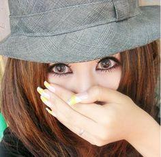 Girls get Hot: Coloured Contact Lenses & Fun Contact Lenses
