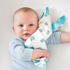 NEW Woombie Leggies Baby Girl Swaddle with Legs Newborn 5-13 lbs Pink Giraffe