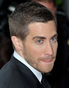 Jake Gyllenhaal - buzz cut with 5 o'clock shadow (how I'm currently wearing the hair / facial hair)