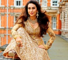 Bollywood, Tollywood & Más: Karishma Luxurious Golden collection for Neerus
