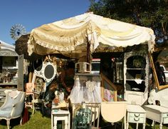 Vintage Show Off: Umbrellas as Booth Decor