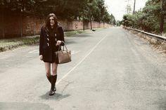 my philosophie, sofia lascurain, fashion blogger, Givenchy vintage sunglasses, MaxMara bag, Essie nailpolish
