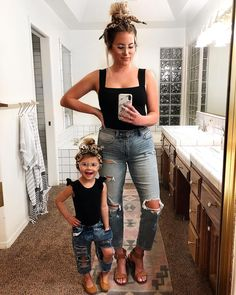 French Kids fashion - Kids fashion Summer Children - Kids fashion Editorial Layout - - Kids fashion Show Outfit Mother Daughter Outfits, Mommy And Me Outfits, Cute Outfits, Young Mom Outfits, Mom Daughter Matching Outfits, Little Girl Outfits, Matching Family Outfits, Summer Outfits, My Baby Girl