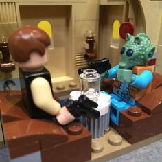 New Lego Star Wars Cantina Set: proof Han did shoot first.