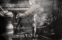 Encens - Nizamuddin dargah - New Delhi - Inde - India - August 2012 © Gaelle. Pinch Of Spice, New Delhi, Immense, Black And White, Photos, Art Art, Jewel, Sunday, Photography