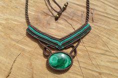 malachite+cabochon+handmade+macrame+gemstone+by+ARTEAMANOetsy