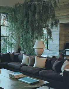 Michael e Alexandra Misczynski, marido e mulher, comandam o Atelier AM em Los Angeles, e chamam a atenção pelas misturas finas de diversos ...