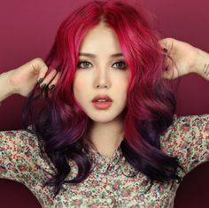 20 Super Cute Red Hairstyles (WITH PICTURES) Looking for red hairstyles to change things up? Find a full photo gallery and learn different styles of red hair that will make you look cuter. Girl Hair Colors, Ombre Hair Color, Cool Hair Color, Hair Colour, Purple Hair, Pink Purple, My Hairstyle, Pretty Hairstyles, Girl Hairstyles