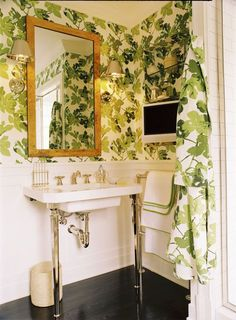 "Cute bathroom using Peter Dunham's ""Fig Leaves"" wallpaper http://www.peterdunhamtextiles.com/textiles/wd0wecodz0cipawdytj8mdgarx2nr2"