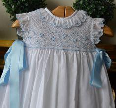 Free Smocking Patterns to Print Baby Dress Design, Baby Girl Dress Patterns, Girls Smocked Dresses, Baby Girl Dresses, Little Girl Outfits, Kids Outfits, Smocking Baby, Smocking Patterns, Smocks