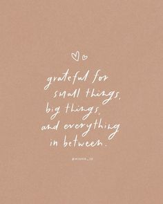 Happy Quotes To Start Your Week With Good Vibes - DIY Darlin' #gratitude #life #quote