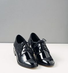 how to wear derbies? What to wear with derbies for women? Quoi Porter, Like A Boss, Brogues, Spring Outfits, What To Wear, Casual Outfits, Oxford Shoes, Dressing, Shoe Bag