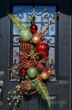 ♥This absolutely goes with my quirky and whimsical Christmas decor that I put in the entry way!