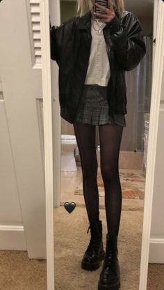Street Style Outfits, Edgy Outfits, Mode Outfits, Grunge Outfits, Cute Casual Outfits, Fall Outfits, Fashion Outfits, Goth Girl Outfits, Christmas Outfits