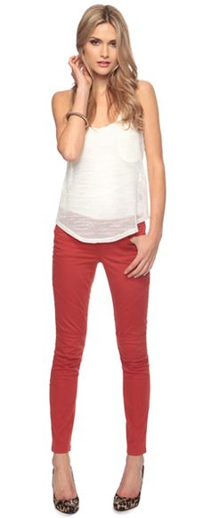 The right way to wear colored pants .. just needs a blazer