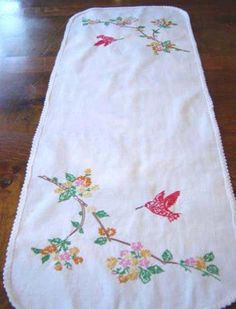 "Vintage Embroidered Table Runner - 1950s - Large 34"" - Hummingbird"