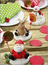 "МК лепка ""Санта Клаус"" -Gumpaste (fondant, polymer clay) Santa Claus figure sculpting tutorial - Мастер-классы по украшению тортов Cake Decorating Tutorials (How To's) Tortas Paso a Paso Polymer Clay Ornaments, Fimo Clay, Polymer Clay Projects, Polymer Clay Creations, Snowman Ornaments, Christmas Ornaments, Polymer Clay Christmas, Cake Decorating Tutorials, Clay Figures"
