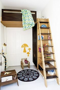love that ladder shelving, awesome!  What a cute little loft idea for a smaller sized kid's room!