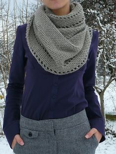 Bees and Appletrees (BLOG): gehaakte col tutorial - crochet cowl tutorial.  Love this!