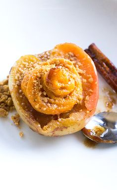 Baked Apples with Spiced Butternut Squash & Gingersnap Crumble | a healthy dessert or a special breakfast.