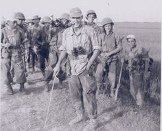 """Platoon of """"8ème Choc"""" (Airborne para commandos) of French forces in Indochine, with local and French fighters."""