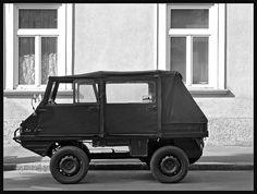 Steyr-Puch Haflinger by LitterART, via Flickr Suv Trucks, Mini Trucks, Steyr, Mercedes Gl, Funny Motorcycle, Suv Models, Jeep 4x4, Maybach, Four Wheel Drive