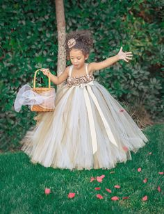 Christmas Dress Ivory Gold Champagne Flower Girl Dress by PrincessLondonsTutus… Gold Flower Girl Dresses, Tulle Flower Girl, Girls Tutu Dresses, Tulle Flowers, Tutus For Girls, Little Girl Dresses, Flower Girls, Champagne Flower Girl, Champagne Dress
