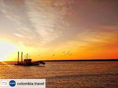 "#Rensta #Repost: @colombia.travel via @renstapp ··· "" Sunsets in Cartagena have a special tropical taste that will make you see why #ColombiaisMagicalRealism.  Photo: @deimer_efe 📸☀ Los atardeceres en #Cartagena tienen un sabor tropical especial que hará que veas por qué #ColombiaEsRealismoMágico  #Travel #Amazing #Backpacker #Tourist #Tourism #Landscapes #IgersColombia #Colombia_GreatShots #Instatravel #Travelgram #PicOfTheDay #WanderLust #BestPlacesToGo #NatGeoTravel #LatinAmerica…"