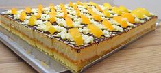Marhuľové rezy , recept | Tortyodmamy.sk Czech Recipes, Dessert Recipes, Desserts, Tiramisu, Cheesecake, Treats, Sweet, Food, Cakes