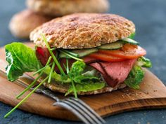 Sportsbolle Salmon Burgers, Picnic, Protein, Food And Drink, Lunch, Ethnic Recipes, Kids, Top, Roast Beef