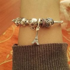 """Thank you love @dnljr #PANDORA #christmas #love #paris #travel #myPANDORAgift"" Thanks for sharing, @roxieroxie22 (Instagram)."
