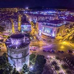 Hellas Inhabitants Of The Shiny Stone - The White Tower At Night, Thessaloniki, Greece. Travel And Tourism, Travel And Leisure, Wonderful Places, Beautiful Places, Macedonia Greece, Greece Thessaloniki, Inspiration Entrepreneur, Greek Beauty, Greece Travel
