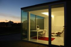 Love this working place with the view - Matosinhos Housing / A2G Arquitectura