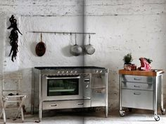 Italian stainless steel kitchen system ; Gardenista