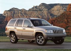 My current ride in forest green. I <3 her 2002 Jeep Grand Cherokee Limited