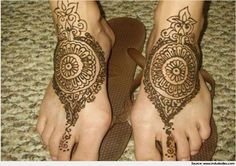 Try our Latest Traditional Round Mehndi Designs or circle Mehndi Designs for hands, Foots ,Back and Shoulders suitable for all occasion .
