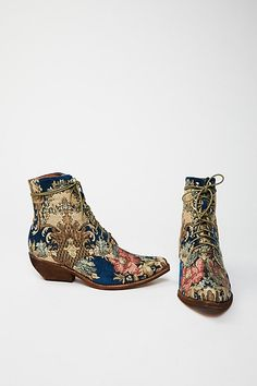 Slide View 3: Grove Lace-Up Western Boot