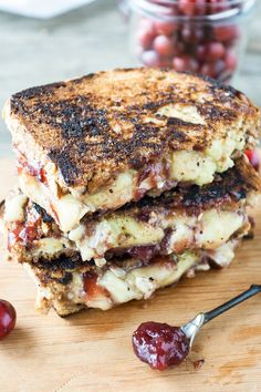 Recipe: Cranberry & Brie Grilled Cheese — Lunch Recipes from The Kitchn