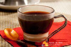 Não é habitual, mas vale a pena experimentar. Café com leite condensado. #Receita #Cafe #LeiteCondensado