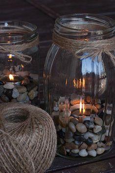 Vyrobte si originálne a praktické dekorácie so sklenených zaváracích pohárov - sikovnik.sk Mason Jar Sconce, Mason Jars, Diy Hacks, Diy Candles, Scented Candles, Yankee Candles, Shell Candles, Candle Centerpieces, Grands Pots