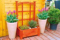 Drevený kvetináč aj na ťahavky