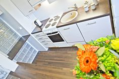 Kaupunkikoti Koto in Mikkeli / kitchen. You can rent the flat! Beautiful Homes, Flat, Canning, Kitchen, House Of Beauty, Bass, Cooking, Kitchens, Home Canning
