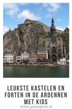 In de Ardennen zijn heel veel forten en kastelen. Zelfs als liefhebber van kastelen hebben we ze nog niet allemaal kunnen bezoeken. Sommige eens machtige kastelen zijn in verval geraakt. Zoals het kasteel van Montaigle in de in de buurt van Dinant en Namen. Nu een ruïne maar wel op een prachtige plek met uitzicht op de omliggende heuvels. Belgium, Places To See, Travel Guide, Taj Mahal, The Outsiders, Beautiful Places, Road Trip, To Go, Castle